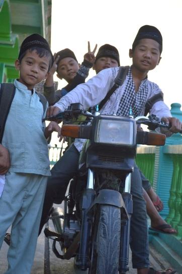 Kid Riders - 2